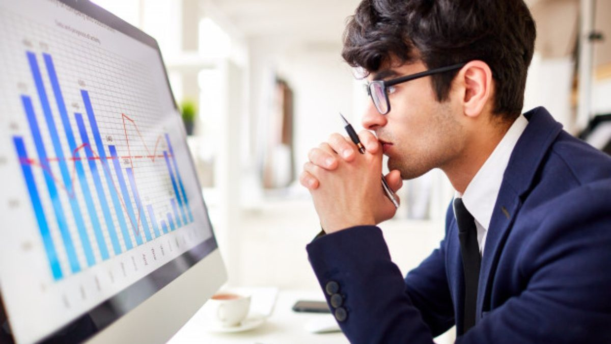 7 Important Skills Needed to Become a Business Analyst